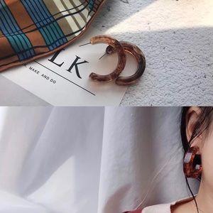 Jewelry - Chic Tortoise Half Moon Hoop Earrings Acrylic
